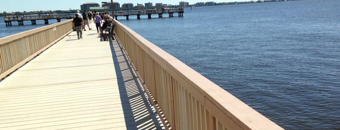 Cape Coral Beach Pier is one of Lieux sauvegardés par J..