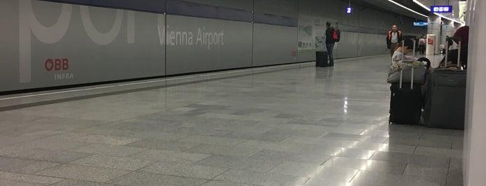 Ж/д станция «Венский аэропорт» is one of 🎩 Salzburg/Berlin.