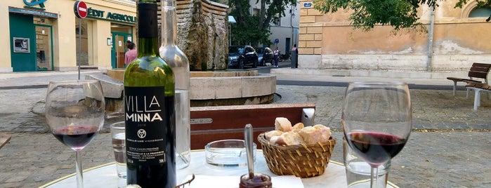 Le Vieux Tonneau is one of Bar a Vins Aix.