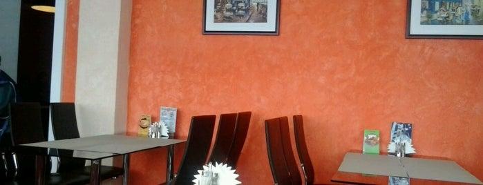 Royal Pizza is one of Lugares favoritos de Ivan.