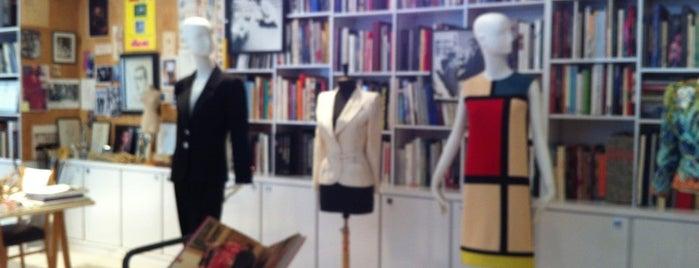 Fondation Pierre Bergé - Yves Saint-Laurent is one of Paris, je t'aime.
