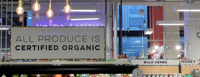 MOM's Organic Market is one of FT6.