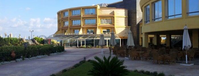 Mediterranean Azur Grand Hotel is one of Tempat yang Disukai Nadim.