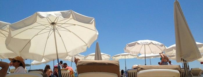 C Beach is one of Tempat yang Disukai Roman.