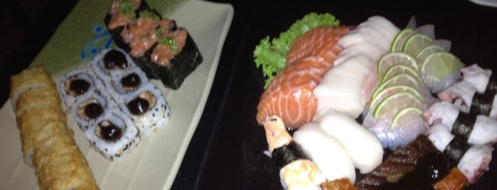 Miraku Restaurante Sushi Bar is one of Locais curtidos por Emilliano.