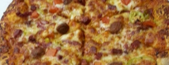 Domino's Pizza is one of Orte, die ✨💫GöZde💫✨ gefallen.
