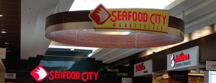 Seafood City is one of Lugares favoritos de NiteLite.