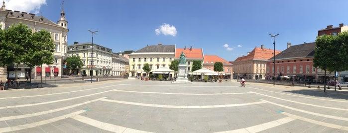 Neuer Platz is one of Slovenia 2013.