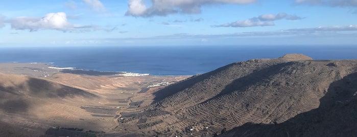 Mirador De Haría is one of Qué visitar en Lanzarote.