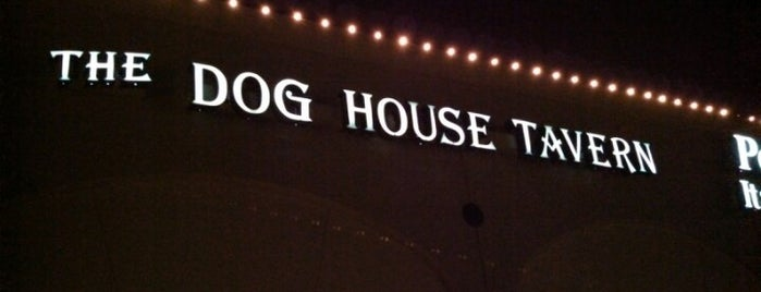 The Dog House Tavern is one of Lugares favoritos de Alex.