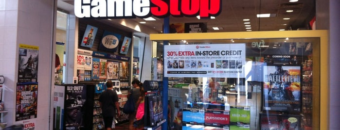 GameStop is one of Tempat yang Disukai Shawn.