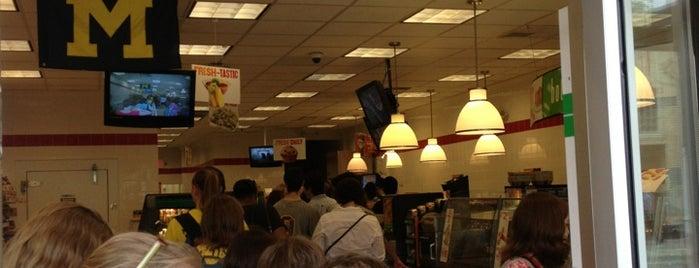7-Eleven is one of Tempat yang Disimpan Wally.