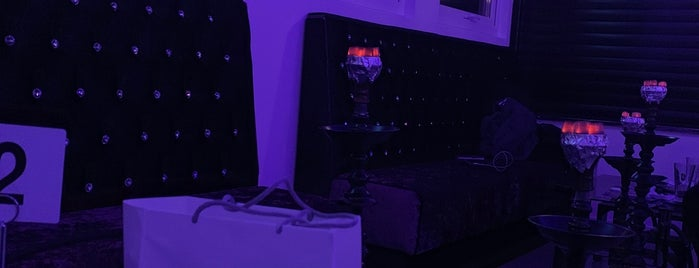 Urban Shisha Lounge is one of Locais curtidos por Dmitry.