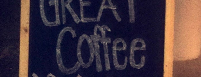 Luna Coffee House is one of Lugares guardados de miroslaba.