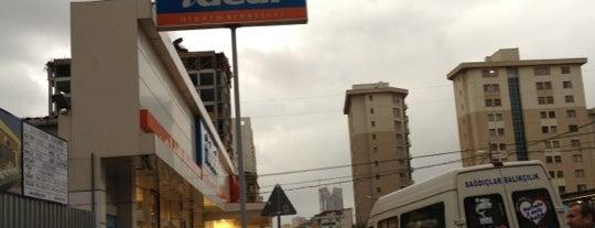 İdeal Hipermarket is one of Posti che sono piaciuti a Tolga Yusuf.