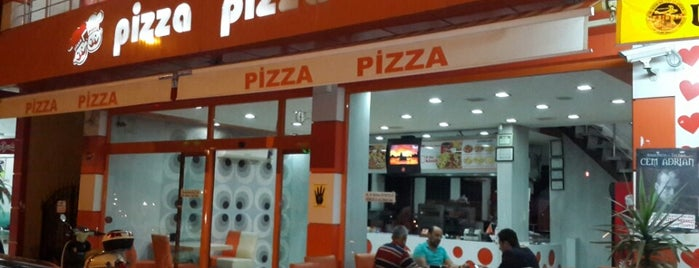 Pizza Pizza is one of สถานที่ที่บันทึกไว้ของ Karabey.