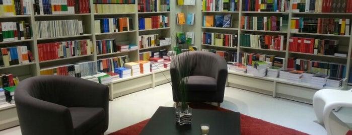 Livraria Almedina is one of Tempat yang Disimpan MENU.