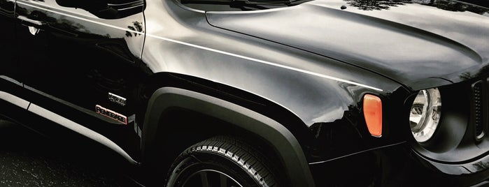 JT's Chrysler Dodge Jeep RAM FIAT is one of Tempat yang Disukai Jackie.