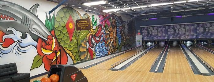 Lane 8 Bowling Center is one of Locais curtidos por KaiMaliLani.