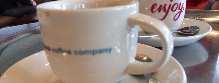 San Francisco Coffee Company is one of Irinaさんのお気に入りスポット.