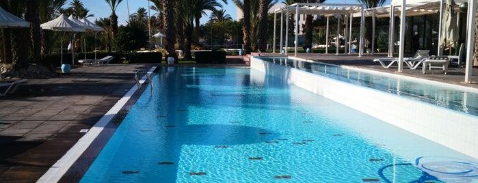 Terrasse Riu Palm Azur is one of Anthony : понравившиеся места.