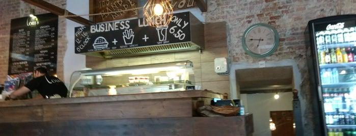Loui`s Burgers is one of Posti che sono piaciuti a Guenia.