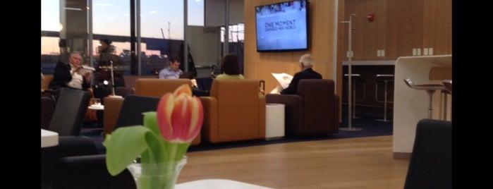 Lufthansa Senator Lounge A is one of Tempat yang Disukai Manuel.