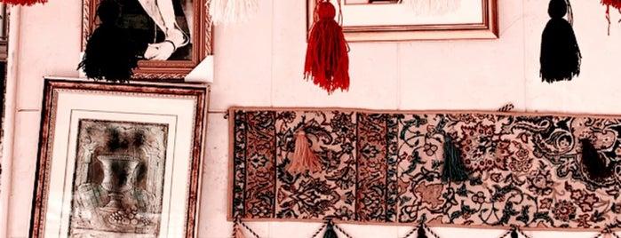 Al Thomairi Old Market is one of Tempat yang Disimpan Queen.
