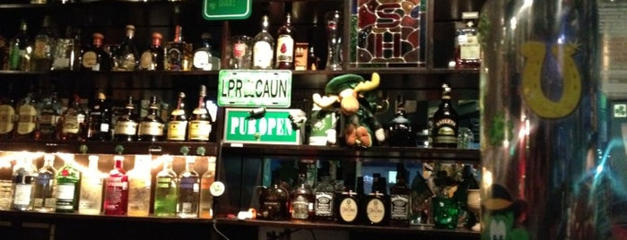 Gaelic Irish Pub is one of Lugares que le Gustan a Frank.