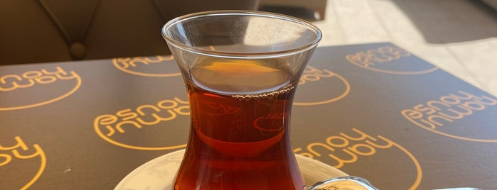 Hamur House Cafe & Bistro is one of Tempat yang Disukai Burak.