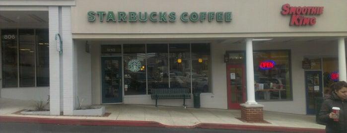 Starbucks is one of Tempat yang Disukai Mike.