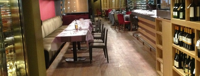 Restaurant Vinya Roel is one of Restaurantes discretos, que permiten conversar.