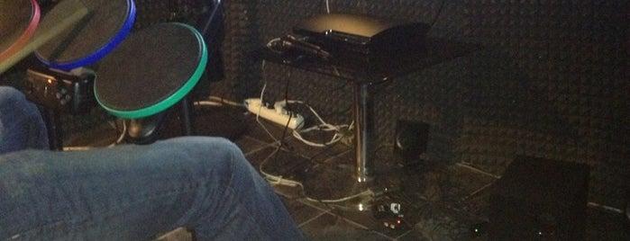 Black PlayStation Cafe is one of Locais curtidos por Kdkdkdkdk.
