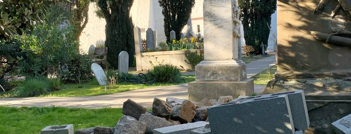 Mission Dolores Cemetery is one of cali.