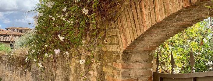 San Gimignano is one of Fabio: сохраненные места.
