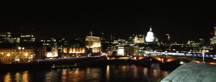 Oxo Tower Bar is one of London Munchies.