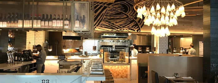 Vivo Italian Kitchen is one of Karen 님이 좋아한 장소.