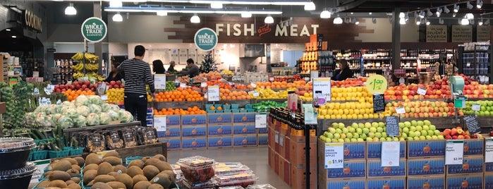 Whole Foods Market is one of Tanya : понравившиеся места.