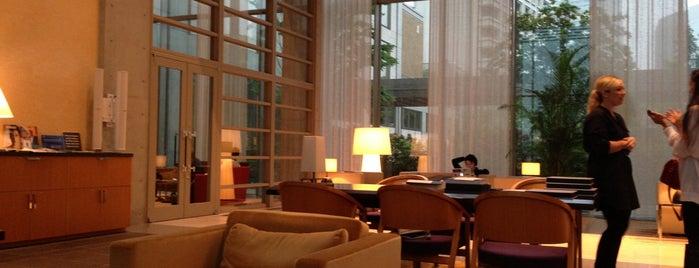 東京アメリカンクラブ is one of Prospective Reciprocal Clubs.
