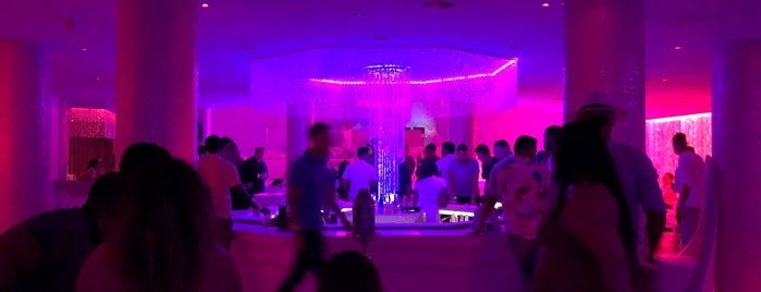 Pearl Champagne Lounge is one of SoBeSpots Fav Clubs.