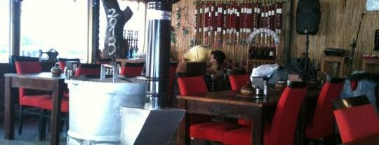 Asmalı Köşk Cafe is one of Locais curtidos por TARIK.