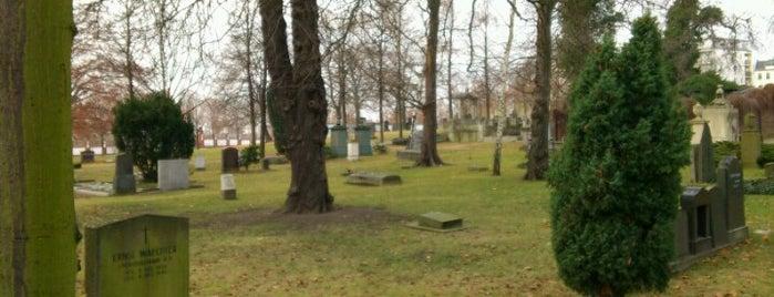 Invalidenfriedhof is one of Orte, die Jonathan gefallen.
