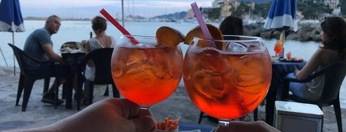 Bar Enoteca Il Castello is one of Mare.