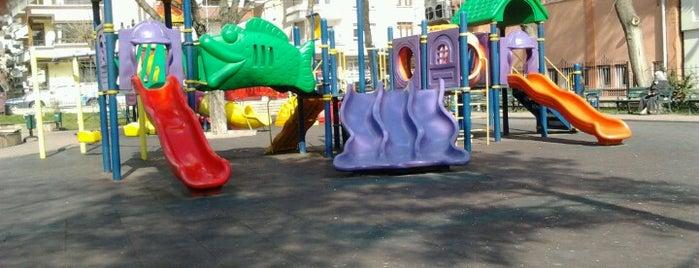 Adile Teyze Parkı is one of สถานที่ที่ Yalçın ถูกใจ.