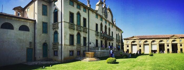 Villa di Montruglio is one of Luoghi da ricordare.