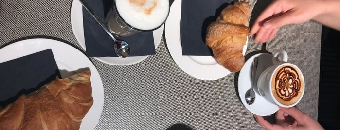 Emporio Armani Caffe is one of Tempat yang Disukai Manuel.