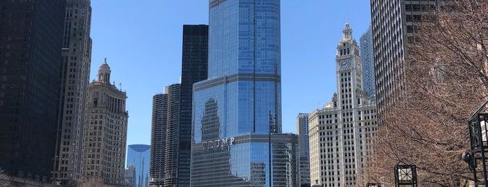 Wacker & Michigan Riverwalk is one of 🇺🇸 Chicago.