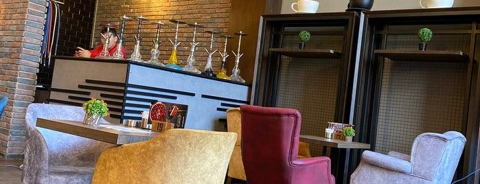 Corner Lounge is one of Locais salvos de Burgaz.