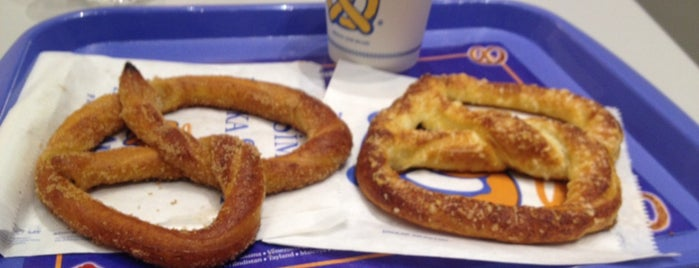 Auntie Anne's is one of Lezzet Duraklarım.