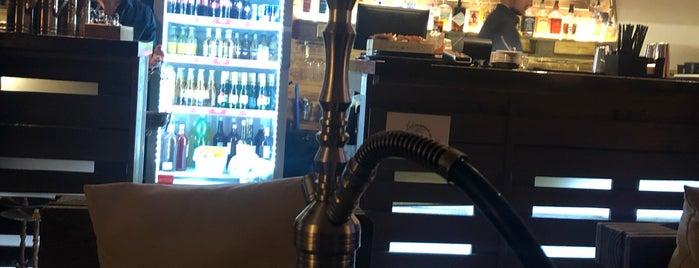 WoodHouse - Shisha Lounge & Bar is one of Orte, die Sergei gefallen.